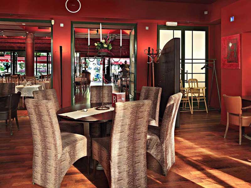 French English translation for Restoleil restaurants